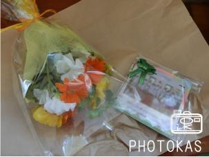 先生へのプレゼントはお花とフォトブック_写真整理のPHOTOKAS